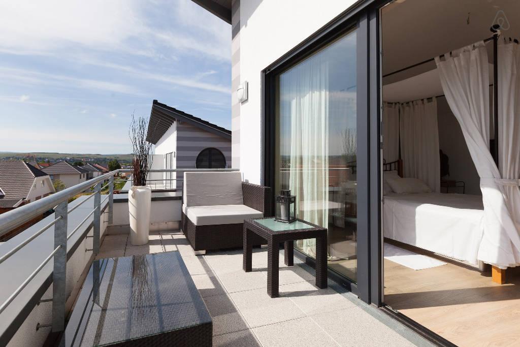 modernes ferienhaus bad kreuznach ben schroeter. Black Bedroom Furniture Sets. Home Design Ideas
